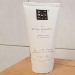 Produktbild zu RITUALS The Ritual Of Sakura magic touch body cream