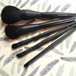 Produktbild zu Mary Kay Essential Brush Collection