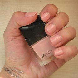 Produktbild zu Lacura Beauty Nagellack – Fabe: 108 Tender Rose