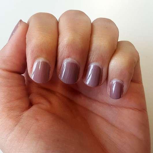 p2 nude benefit polish, Farbe: dinner with Jack - Farbe auf den Nägeln