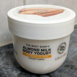 Produktbild zu The Body Shop Almond Milk Body Yogurt