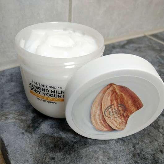 The Body Shop Almond Milk Body Yogurt - Tiegel geöffnet