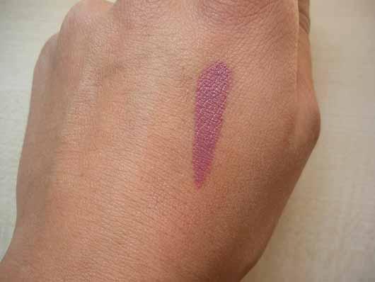 Lottie London Slay All Day Matte Liquid Lipstick, Farbe: TBT - Swatch