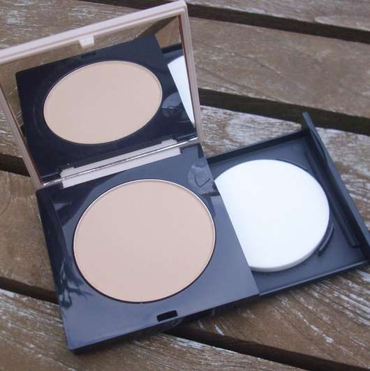 geöffnete Verpackung - MANHATTAN 2in1 Perfect Teint Powder & Make Up, Farbe: 20 Peach