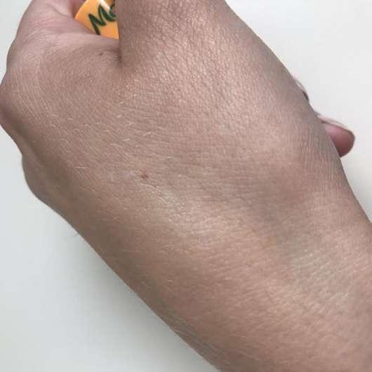 Melvita Apicosma Repairing Lip Balm - Swatch