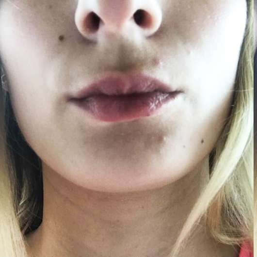 Melvita Apicosma Repairing Lip Balm - auf den Lippen