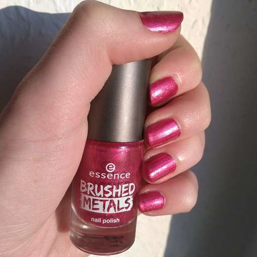 essence brushed metals nail polish, Farbe: 04 it's my party