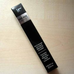 Produktbild zu IT Cosmetics Bye Bye Under Eye Concealer – Farbe: Medium (Light-Medium)