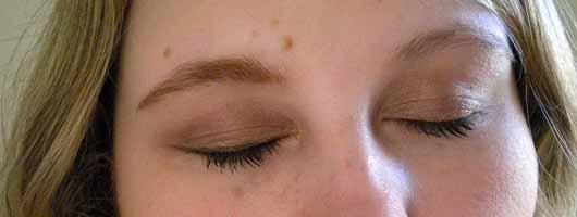 MAKE UP FACTORY Eye Contour Brush - Vergleichsbild 2 Lid und Braue geschminkt und ungeschminkt