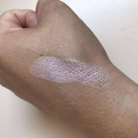 Swatch - Misslyn Glow For It! Strobing Powder, Farbe: Here We Glow!