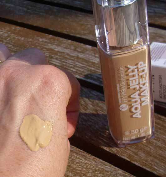 Bell HYPOAllergenic Aqua Jelly Make-Up, Farbe: 04 Golden Beige - Swatch