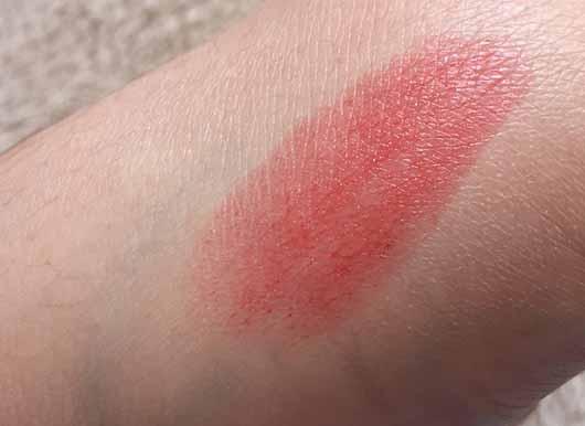 Pixi Shea Butter Lip Balm, Farbe: Scarlet Sorbet - Swatch