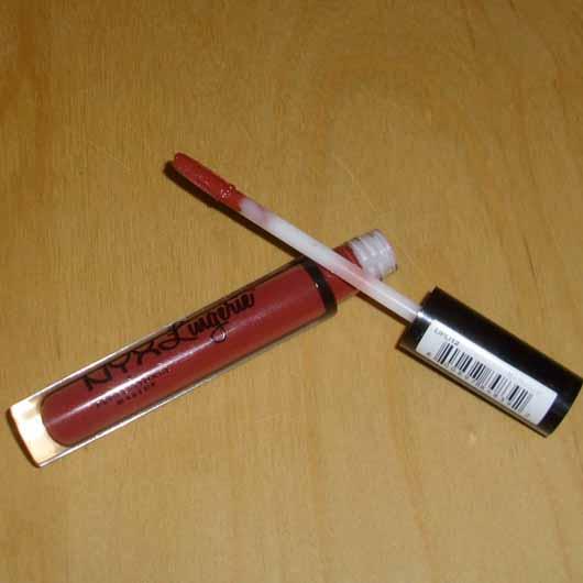 NYX Lip Lingerie Liquid Lipstick, Farbe: 12 Exotic - Flakon geöffnet