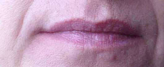 NYX Lip Lingerie Liquid Lipstick, Farbe: 12 Exotic - Lippen ohne Produkt