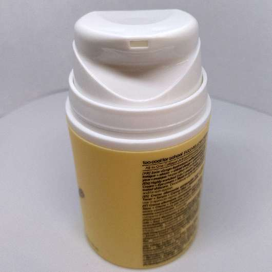 too cool for school EGG Mellow Cream 5-in-1 Firming Moisturizer - Dosieröffnung
