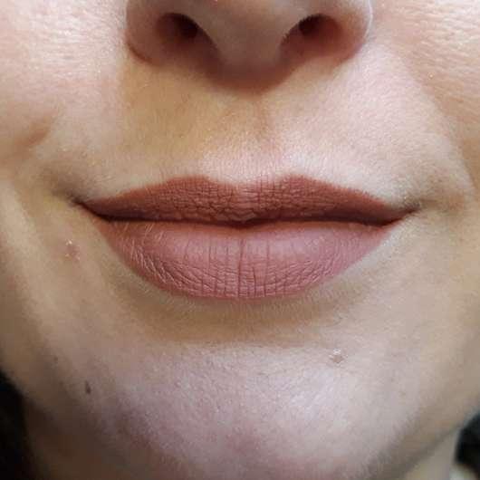 BeYu Color Biggie For Lips And More, Farbe: 289 Good Girl (LE) - Lippen mit Produkt frisch aufgetragen