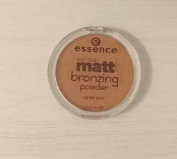 Produktbild zu essence sun club matt bronzing powder – Farbe: 01 natural