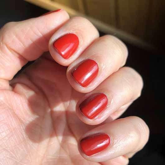 essence the gel nail polish, Farbe: 117 pumpkin spice - Nagellack frisch aufgetragen
