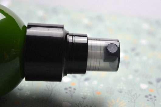 JOHN FRIEDA® Repair & Detox Care & Protect Spray / Dosieröffnung