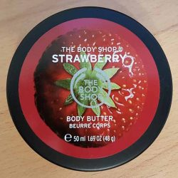 Produktbild zu The Body Shop Strawberry Body Butter