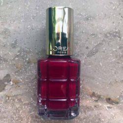 Produktbild zu L'ORÉAL PARiS Color Riche Le Vernis Mit Öl – Farbe: 552 Rubis Folies