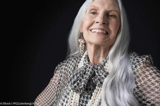 Grau Bild: Graue Haare Farben Mit Zwiebelschalen