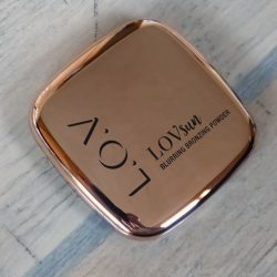 Produktbild zu L.O.V LOVsun Blurring Bronzing Powder – Farbe: 010 Sensual Caramel
