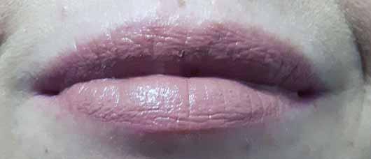 alverde Lipgloss 3D-Effekt - Lippen mit Lippenstift pur
