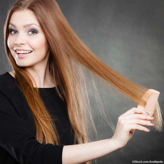 Haare kämmen: Im nassen oder trockenen Zustand?