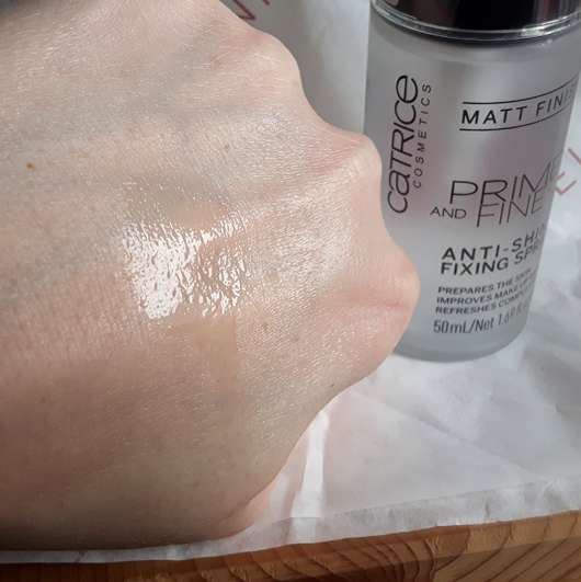 Catrice Prime And Fine Anti-Shine Fixing Spray - Swatch