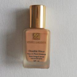 Produktbild zu Estée Lauder Double Wear Stay-in-Place Makeup – Farbe: 2N1 Desert Beige