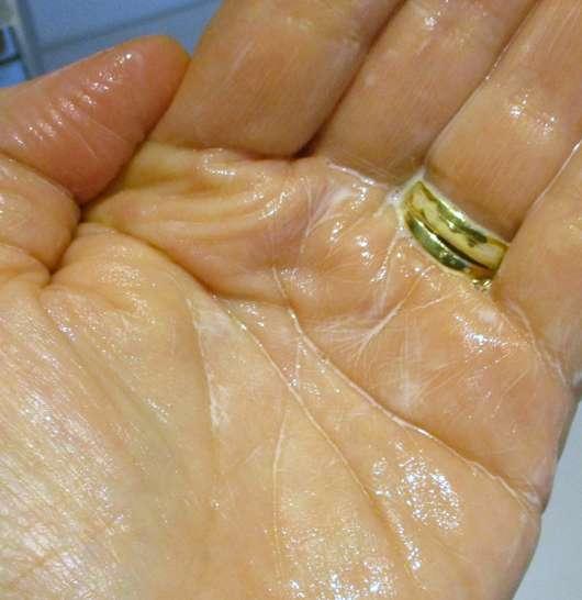 STYX Naturcosmetic Lavendel Zitrone Duschgel - Konsistenz in Verbindung mit Wasser