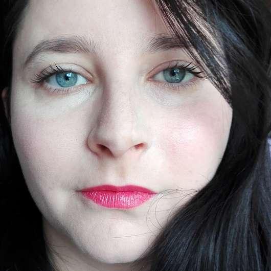 Shiseido VisionAiry Gel Lipstick, Farbe: 225 High Rise - Lippen mit Produkt