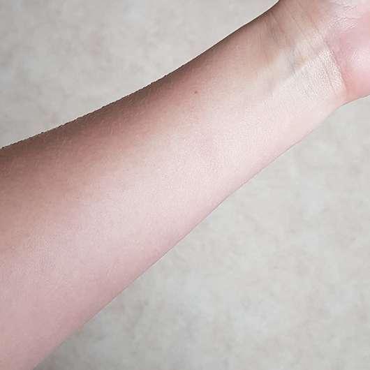 The Body Shop Vitamin E Cream Cleanser - Reinigungssimulation Ergebnis