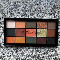 Produktbild zu Makeup Revolution Re-Loaded Palette Iconic Division