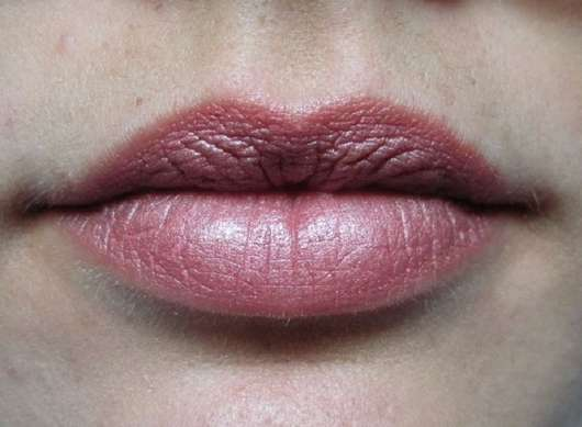Lippen mit BAIMS Natural Makeup Lipstick, Farbe: 12 Glam