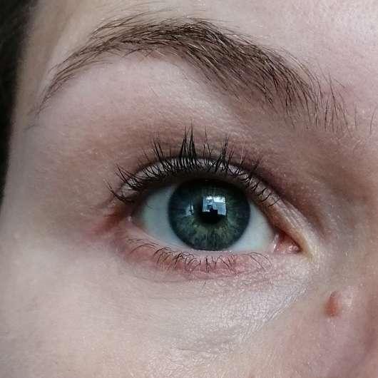 PAESE Clair Brightening Concealer, Farbe: 1 - Augenbereich mit Concealer verblendet