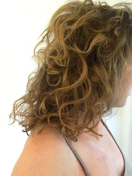LR ALOE VIA Aloe Vera Beach Wow - Salt Water Wave Spray (LE) - Haare nach dem Hochbinden als Dutt