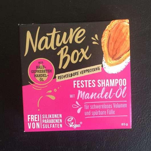 Nature Box Festes Shampoo mit Mandel-Öl