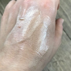Rival loves me Illuminating Drops, Farbe: 02 bronze - Swatch